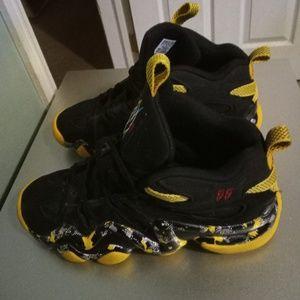 Men's Adidas Crazy 8 'Mutombo' size 9.5
